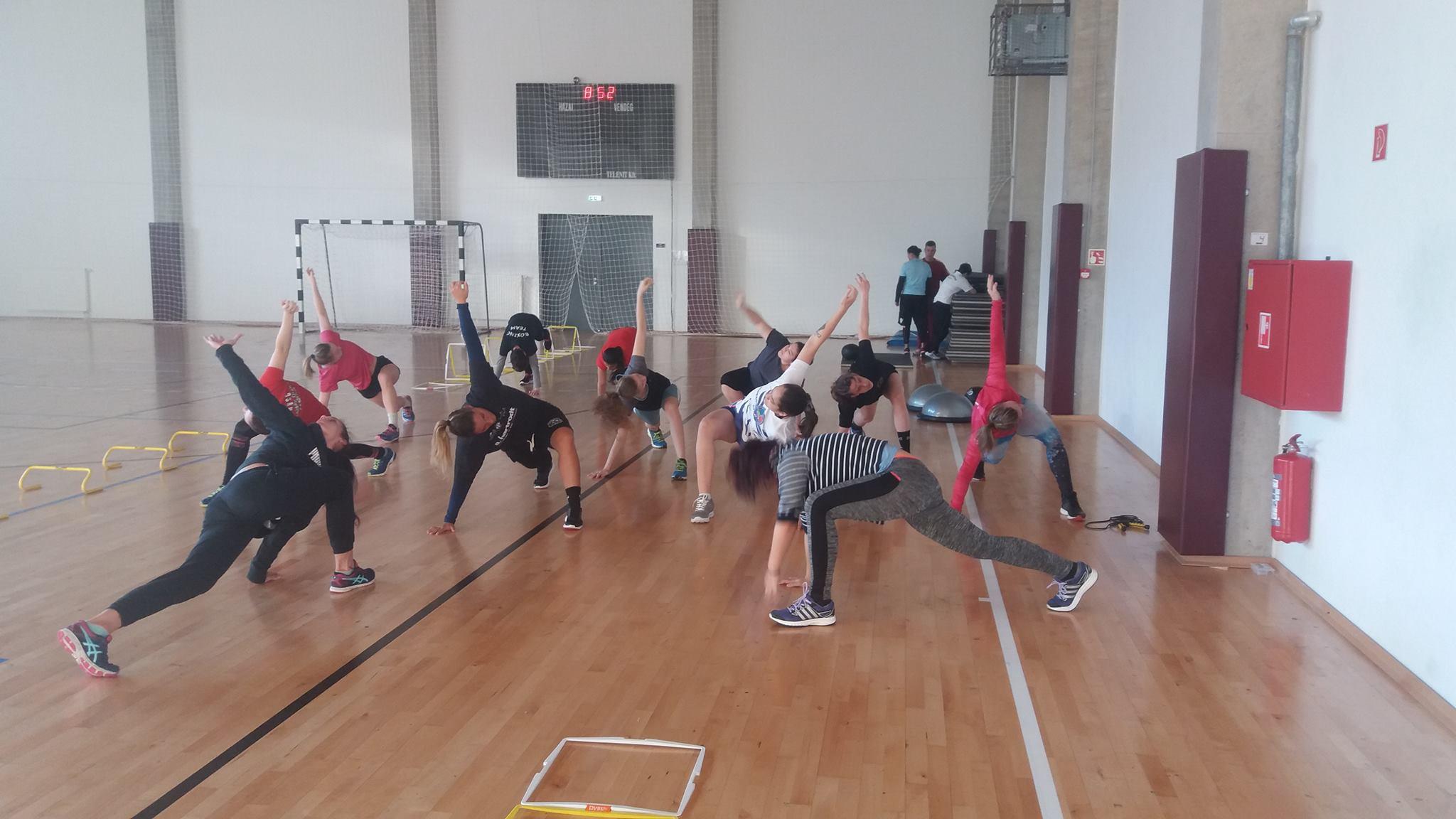 Mátraházán edzőtáboroznak a lányok
