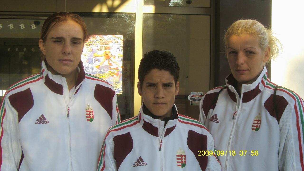 Hárman az elődöntőben a Női EB-n